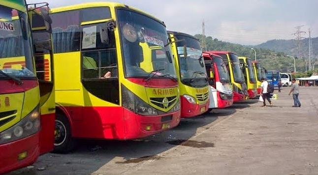 bus-arimbi-terminal-pelabuhan-merak